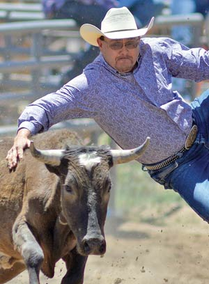 Navajo Mountain Cowgirl Wins Beshbetoh Rodeo