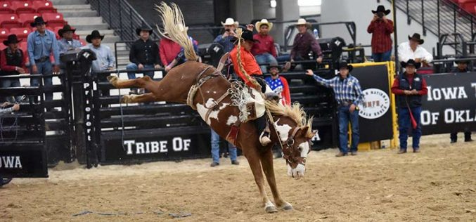 Curley seizes average lead in saddle bronc