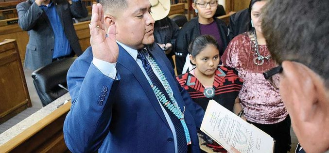 Late delegate's aide sworn in to fill seat